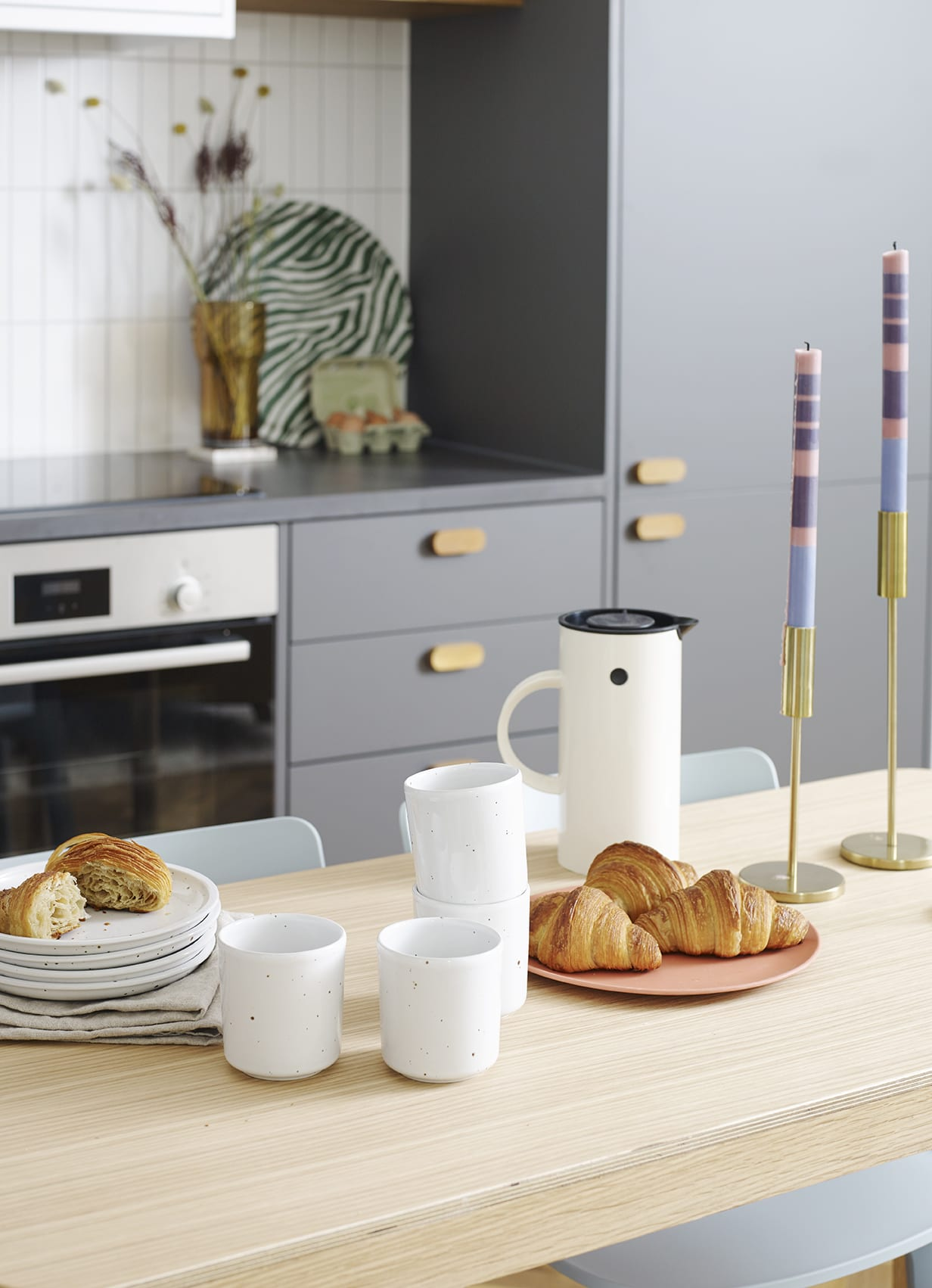 show home kitchen image